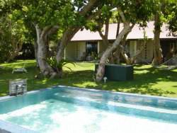 villa_pool_1